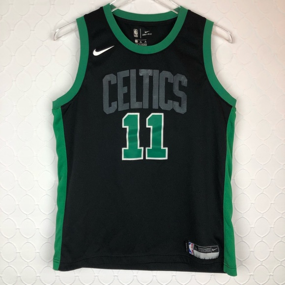 newest 2b776 4cfb9 Kyrie Irving Boston Celtics Jersey (youth large)